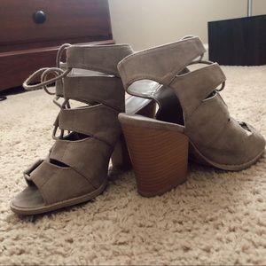 Open-toe heels